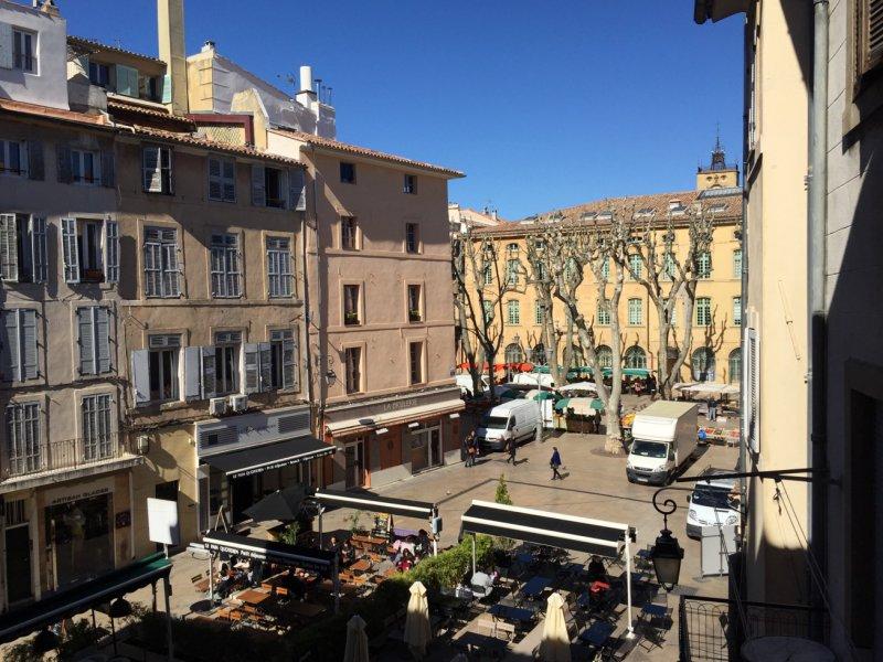 Vente aix en provence centre ville historique type 2 de for Garage peugeot aix en provence cours gambetta